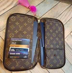 LOUIS vuitton Escovedo travel organizer/wallet
